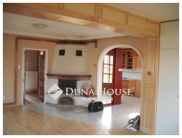 Eladó jó állapotú 2 szintes ház