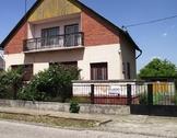 Eladó ház, Komárom, A belvároshoz közel, csendes helyen
