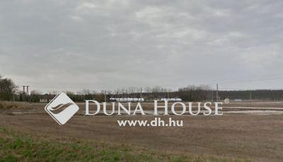 Eladó Ipari ingatlan, Győr-Moson-Sopron megye, Győrszemere, Orgona utca
