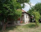 Eladó ház, Kecskemét, Szép környezetben levő családi ház
