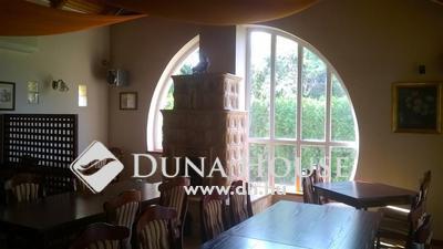 Eladó étterem, Pest megye, Telki, Jó forgalmú helyen működő étterem, lakással!