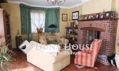 Eladó Ház, Budapest, 2 kerület, Máriaremetei Templomkert közelében