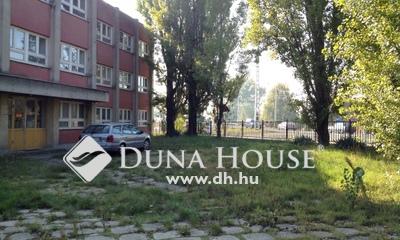 Eladó Ipari ingatlan, Pest megye, Dunaharaszti, Központi részen, jó közlekedésnél