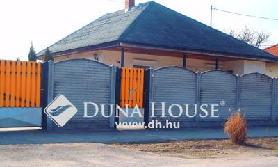 Eladó Ház, Komárom-Esztergom megye, Komárom, Koppány Vezér utca