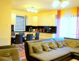 Eladó ház, Gyál, Teljes komfort, 3 háló, fedett terasz, medence