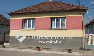 Eladó Ház, Komárom-Esztergom megye, Tát, Petőfi Sándor utca