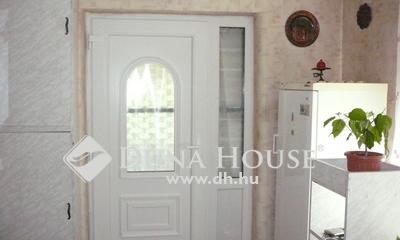 Eladó Ház, Jász-Nagykun-Szolnok megye, Szolnok, Vihar utca