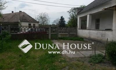 Eladó Ház, Komárom-Esztergom megye, Komárom, Kossuth Lajos utca