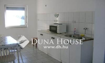 Eladó Ház, Pest megye, Biatorbágy, Vállalkozásra,Otthonnak