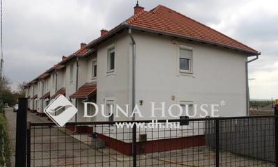 Eladó Ház, Baranya megye, Pécs, ===patacsi sorházi lakás saját kerttel===