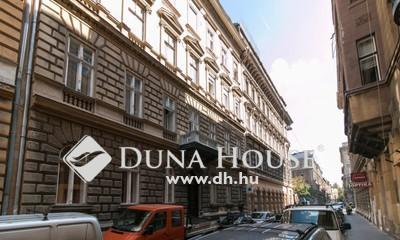 Eladó Lakás, Budapest, 6 kerület, Andrássy útnál felújítandó lakás rendezett házban!