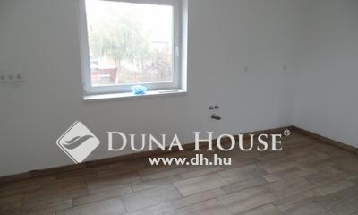 Eladó Ház, Hajdú-Bihar megye, Debrecen, a Létai út közepén