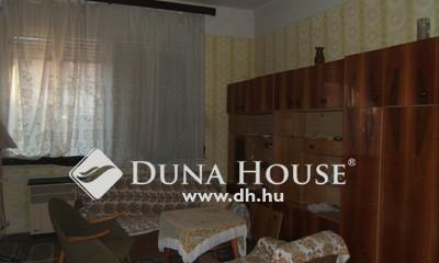 Eladó Ház, Jász-Nagykun-Szolnok megye, Jászberény, Nagyboldog Iskola közelében