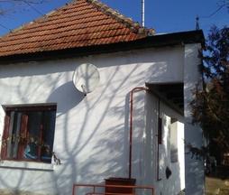 Eladó ház, Vértesacsa