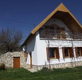 Eladó ház, Pécsely