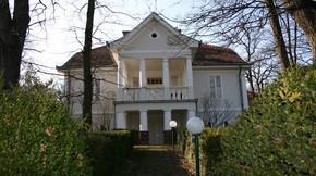 Eladó ház, Balatonszepezd, A múlt század elején épült, felújított polgári villa