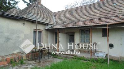 Eladó Ház, Komárom-Esztergom megye, Komárom, Akácfa utca