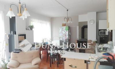 Eladó Ház, Pest megye, Szigetszentmiklós, Duna parton, mégis a központban.
