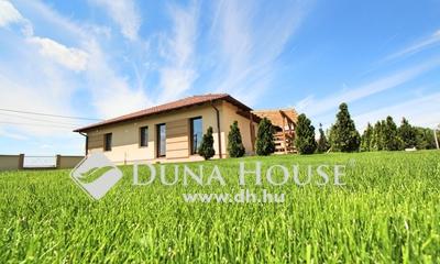 Eladó Ház, Bács-Kiskun megye, Kecskemét, Új építésű utca
