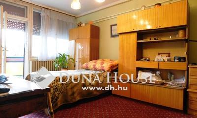 , Jász-Nagykun-Szolnok megye, Jászberény, Pelyhesparti 2 szobás, erkélyes, tégla lakás