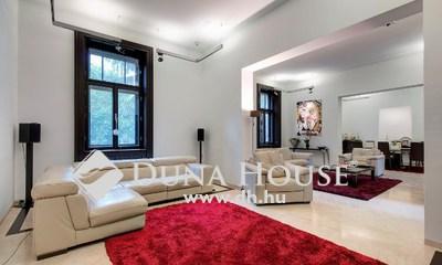 Eladó Ház, Budapest, 16 kerület, Ómátyásföld ősfás villanegyedében