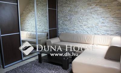 Eladó Lakás, Bács-Kiskun megye, Kecskemét, Hunyadivárosban, felújított, 2 szobás, bútorozott