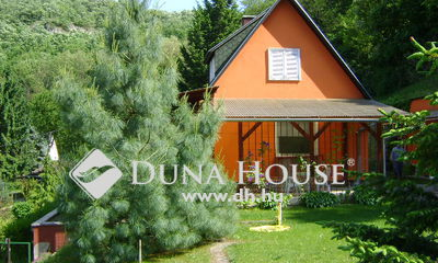 Eladó Ház, Komárom-Esztergom megye, Esztergom, Fenyves utca