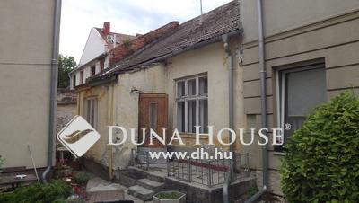 Eladó Lakás, Győr-Moson-Sopron megye, Sopron, Mező u-i 2 szobás felújítandó,120m2-esre bővíthető