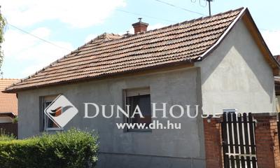 Eladó Ház, Pest megye, Gödöllő, központi csendes utcában