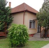 Eladó ház, Kiskunfélegyháza, csendes utcában