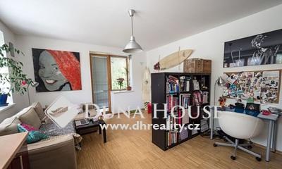 Prodej bytu, Nám. Třebízského, Klecany