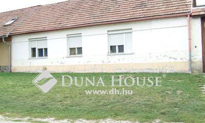 Eladó Ház, Komárom-Esztergom megye, Esztergom, Barkóczy Ferenc utca