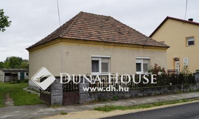 Eladó Ház, Győr-Moson-Sopron megye, Vámosszabadi, faluközpont