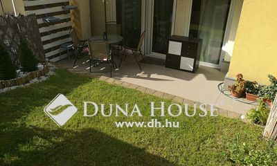 Eladó Lakás, Budapest, 8 kerület, Lakóparki akadálymentes, kertkapcsolatos lakás