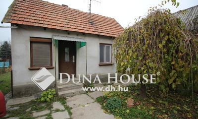 Eladó Ház, Bács-Kiskun megye, Kecskemét, 2 ház egy lakás áráért....