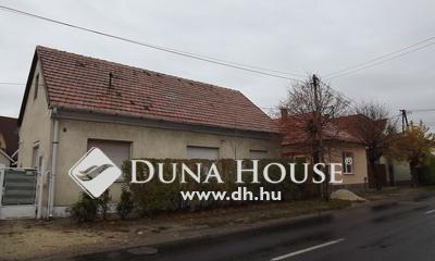 Eladó Ház, Veszprém megye, Veszprém, Pápai utca