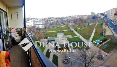 Eladó Lakás, Budapest, 8 kerület, II. János Pál pápa térre panorámás, erkélyes, 1+1