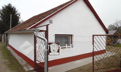 Eladó Ház, Bács-Kiskun megye, Kecskemét, Kertvárosi övezetben