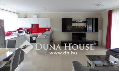 Eladó Ház, Szabolcs-Szatmár-Bereg megye, Nyíregyháza, Belváros csendes utcájában.