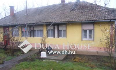 Eladó Ház, Jász-Nagykun-Szolnok megye, Cserkeszőlő, Fürdőhöz nem messze