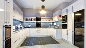 Eladó ház, Szentendre, 2 generációs, szuper panorámás luxus ház
