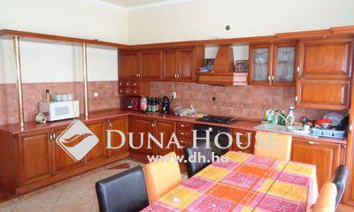 Eladó Ház, Pest megye, Nagykáta, állomás közelében 5 szoba + nappalis szép ház