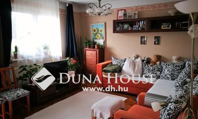 Eladó Ház, Veszprém megye, Balatonfüred, 2 generációs sorházi lakás üzlethelyiséggel