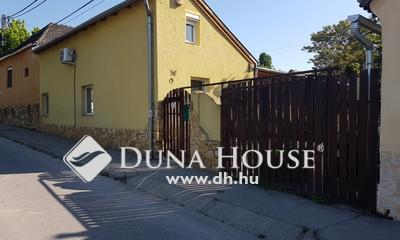Eladó Ház, Pest megye, Budaörs, Templom térhez közel