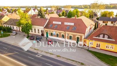 Eladó Ház, Komárom-Esztergom megye, Tata, TATA KÖZPONT A TÓPARTNÁL