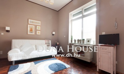 Eladó Lakás, Budapest, 6 kerület, Tökéletes rövidtávra,Teréz körútnál,gyönyörű ház!