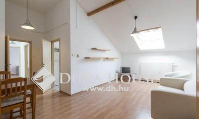 Eladó Lakás, Budapest, 6 kerület, Operaháznál, 2003-ban ráépített 3 szobás lakás!