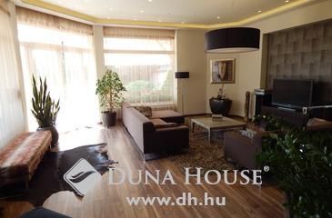 Eladó ház, Kecskemét, Luxus Petőfivárosban!