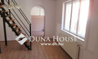 Eladó Ház, Budapest, 4 kerület, Jó állapotú házrész ! ! !