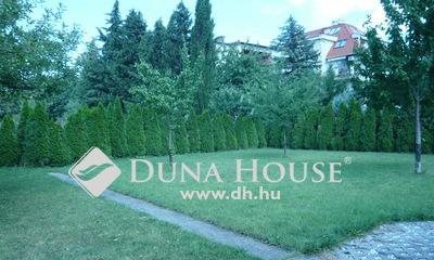 Eladó Ház, Budapest, 14 kerület, 831 nm-es telken többgenerációs családi ház